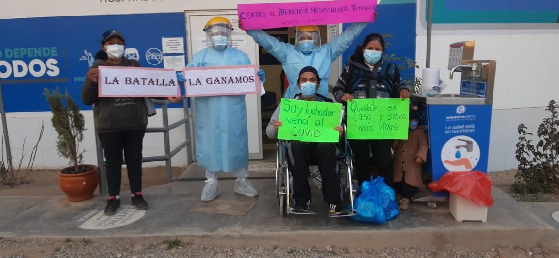 FAMILIARES AGRADECEN POR RECUPERACIÓN DE PACIENTES CON COVID-19 EN HOSPITAL DE PAMPAS